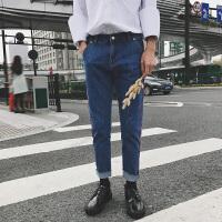 港风新款男装九分裤红色侧边水洗牛仔裤复古宽松喇叭裤贴布直