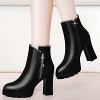 粗跟短靴女鞋2017新款韩版尖头英伦风马丁靴潮流时尚百搭高跟女靴