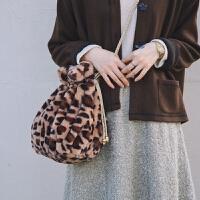原创自制秋冬新品豹纹兔毛皮草斜挎手拿毛绒包包女 豹纹包包不退换