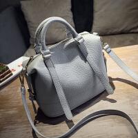 女士包包2018冬季新款欧美时尚波士顿包女包手提包单肩斜挎枕头包 浅灰色 _218