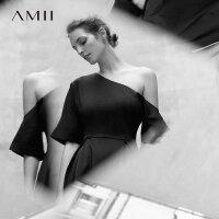 Amii[极简主义]2018夏新品直筒纯色斜肩腰带小黑裙连衣裙11792684