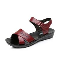 夏季女士真皮软底凉鞋女中老年妈妈鞋魔术贴妈妈凉鞋沙滩鞋女