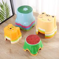 【新品特惠】创意家居生活日用品百货大人儿童礼品卫浴实用小工具卡通凳子