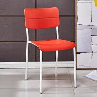 现代简约书桌学生靠背椅子家用懒人创意白色个性塑料简易椅凳 红色