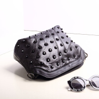 新款手提包真皮包包羊皮斜挎包女士单肩包链条铆钉贝壳包小包钱包