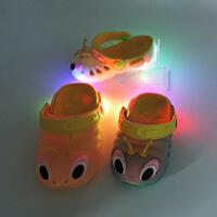 夏季一岁两岁三岁儿童拖鞋宝宝塑料凉鞋男童女童小孩沙滩洞洞鞋 闪灯款
