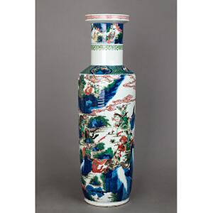 C566清《青花五彩刀马人棒槌瓶》(青花五彩发色纯正,器型硕大少有,人物绘画传神,居家摆设收藏之尚品。)