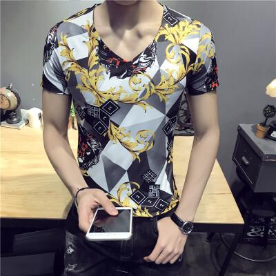 2018年夏季新款男士V领短袖T恤英伦百搭店主风青年修身半袖花体恤 发货周期:一般在付款后2-90天左右发货,具体发货时间请以与客服协商的时间为准
