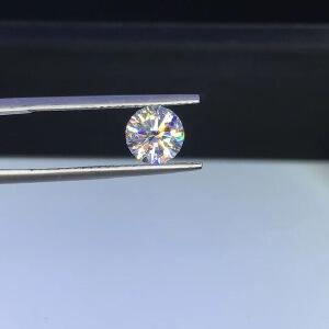 净度vvs1 1.2克拉D色圆形莫桑钻裸石7.0mm