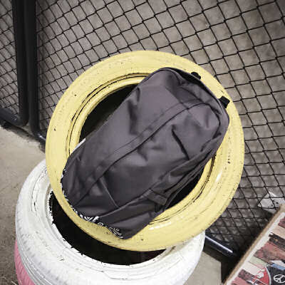 时尚潮流男士双肩包韩版旅行包背包女大学生书包休闲牛津布潮包 发货周期:一般在付款后2-90天左右发货,具体发货时间请以与客服协商的时间为准