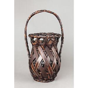 S413明《竹编花篓》(色泽古雅,器型精美,简单大方的编织手法给人以高贵典雅之感,送精美锦盒)