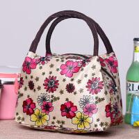 新款饭盒包饭盒袋手提包小包妈咪包女包便当包零食上班手提包 乳白色 红花便当包