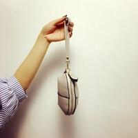 新款女士手包迷你手腕包钥匙化妆包手抓零钱包手拿贝壳小包手机包 小号灰色 现货