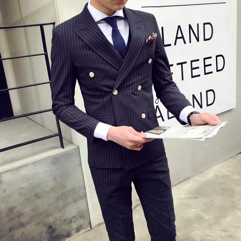 男士条纹百搭简约双排扣西服套装男修身弹力西装三件套绅士商务潮 发货周期:一般在付款后2-90天左右发货,具体发货时间请以与客服协商的时间为准