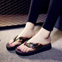 时尚凉鞋韩版民族风人字拖女防滑厚底坡跟厚底沙滩凉拖鞋