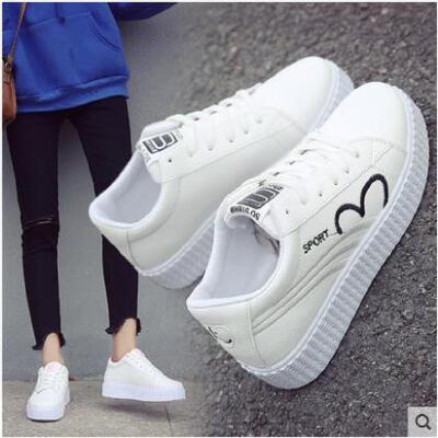 新款秋冬季韩版百搭休闲小白鞋女平底时尚超火街拍学生板鞋女