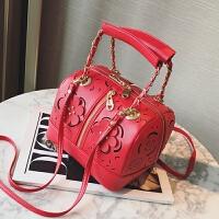 夏季新款镂空花朵手提女包韩版时尚波士顿包单肩包百搭斜跨包 红色
