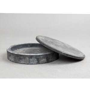 C659民国《青石圆形砚》(此砚为 天然青石纯手工挖制而成,石质细腻,素面简洁,大方。)
