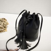 女士单肩包斜挎包水桶包新款韩版休闲时尚秋冬季潮学生少女包包女 黑色