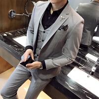 2018新款纯色丝滑面料西服套装男士结婚礼服三件套商务职业西装潮