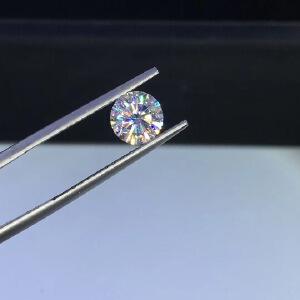 净度vvs1级1.5克拉D色圆形莫桑钻裸石