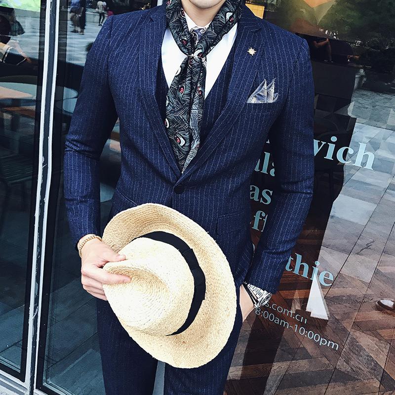韩版潮修身西服套装男四季新款条纹西装男士商务休闲三件套婚礼服 发货周期:一般在付款后2-90天左右发货,具体发货时间请以与客服协商的时间为准