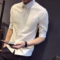 夏季新款男士短袖�r衫修身英���l�y半袖�r衣潮流青年商�枕n版寸衫