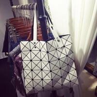 日本镭射包2018新款女包几何菱格手提包单肩包时尚折叠女士包包潮